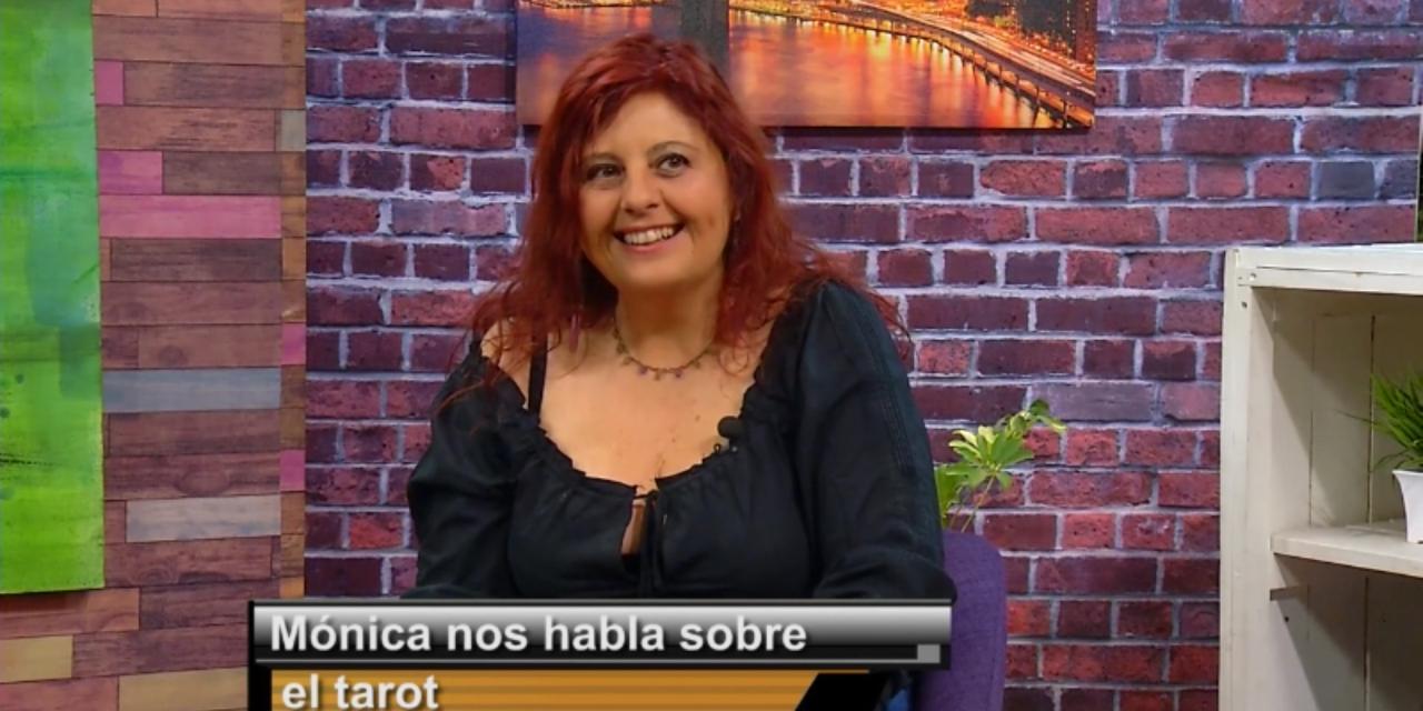 La profesora Mónica De Simone habla sobre Tarot